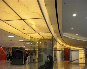 上海荆宜为大型百货商场提供透光吊顶石材装饰